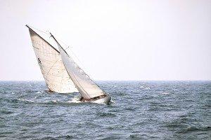 bateau photo-1573925805234-22b9e43a5450